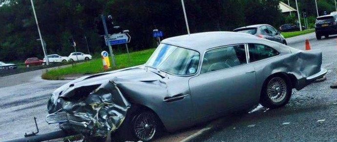 В Великобритании разбили Aston Martin DB5 за 1,5 миллиона долларов
