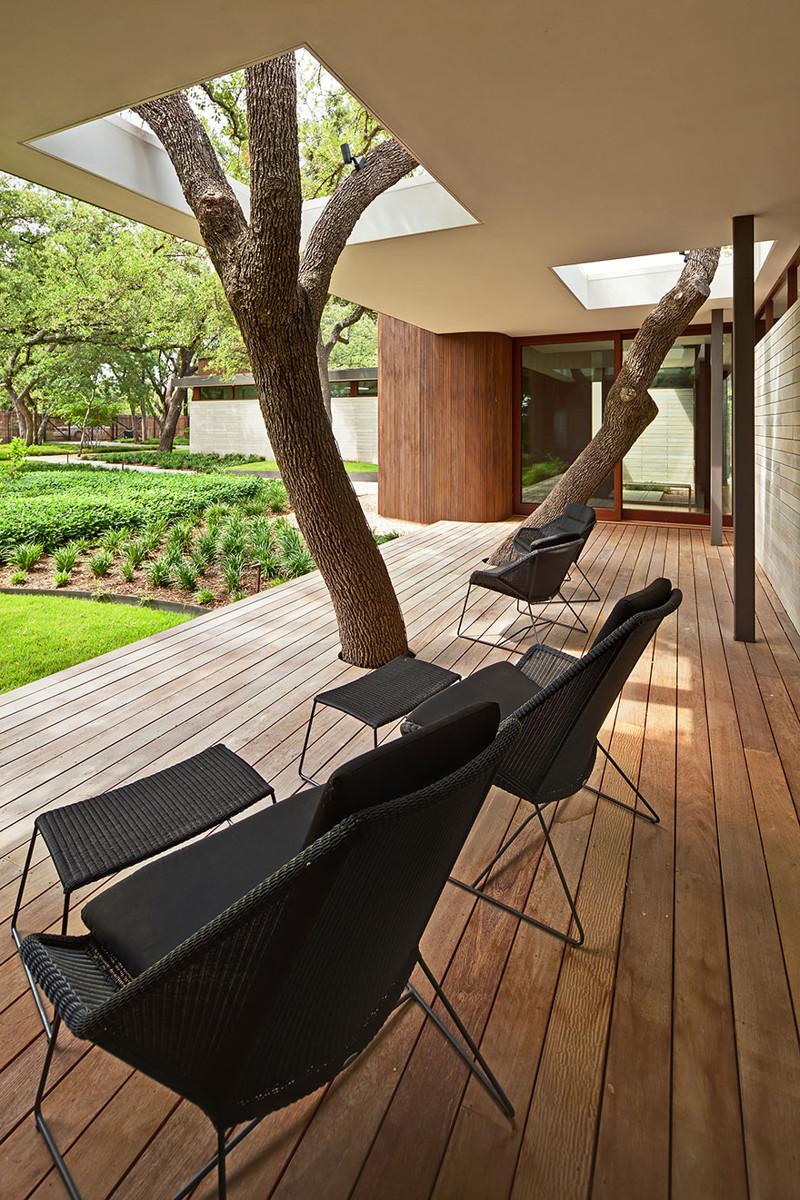 6. Загородный дом с видом на озеро дерево, здание