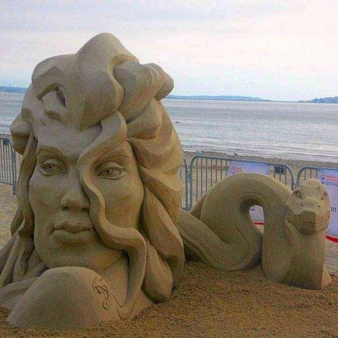 Поразительные скульптуры из песка