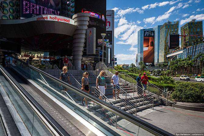 Лас-Вегас: большое сияющее разочарование