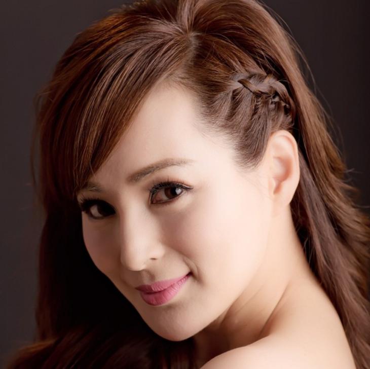Этой китайской девушке 50 лет.