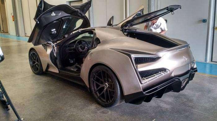 Титановый китайский суперкар Icona Vulcano Titanium (9 фото)
