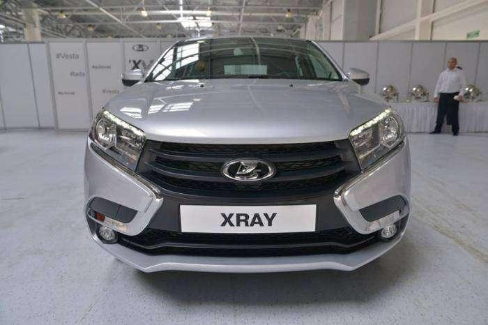 АвтоВАЗ показал предсерийную Lada XRAY (7 фото)