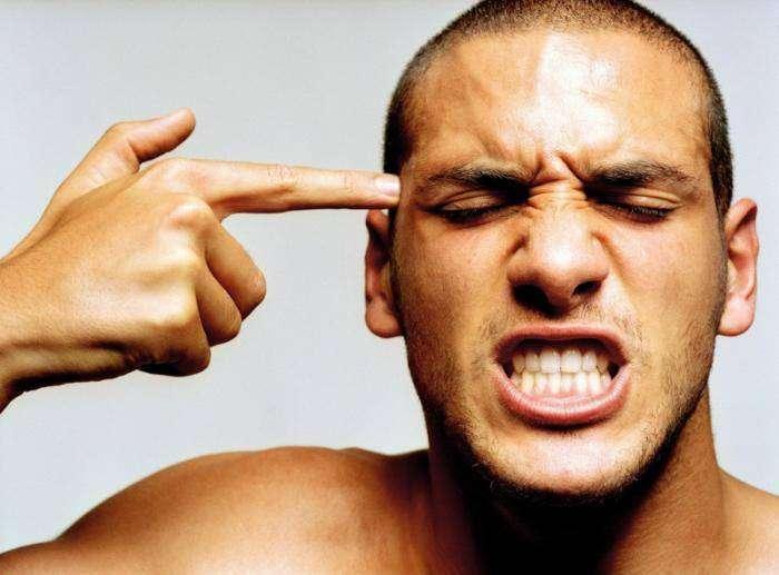 10 женских фраз, которые бесят мужчин (7 фото)