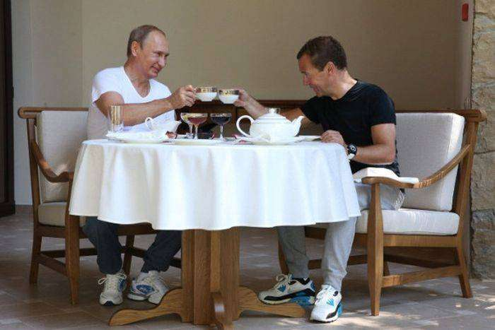 Владимир Путин и Дмитрий Медведев провели совместную тренировку (21 фото)