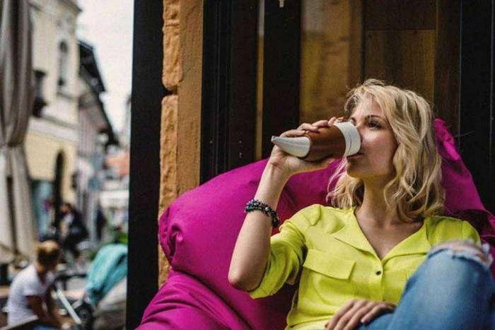 17. Кружка для кофе в виде рога, которая поможет получить всё до последней капли гаджет, кухня