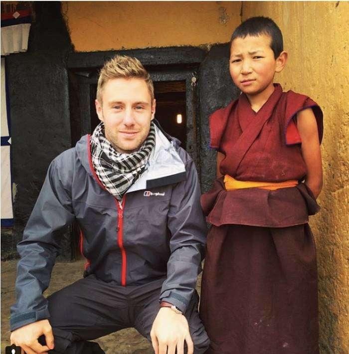 Этот парень сделал $1 млн, путешествуя по миру со своим ноутбуком миллион, ноутбук, путешествие