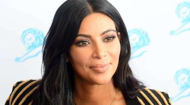 Визажист Ким Кардашьян расписал 50 этапов ее ежедневного макияжа