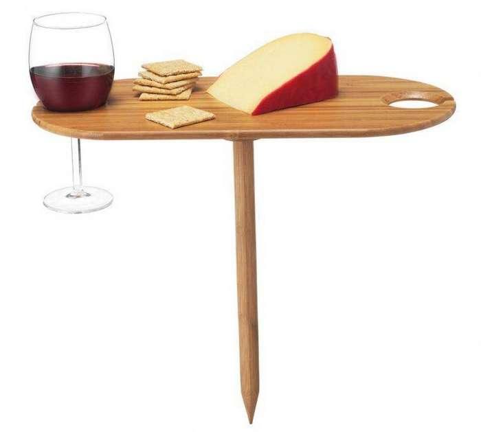 9. Мини-столик для вина и сыра сделает солнечный день на природе ещё лучше гаджет, кухня