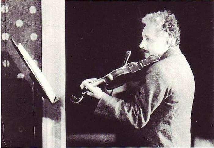 16. Эйнштейн мог стать музыкантом интересные факты, правда, прикол, факты