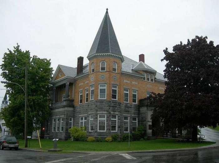 4. Существует здание, которое находится одновременно в США и в Канаде интересные факты, правда, прикол, факты