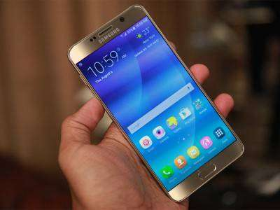 Samsung Galaxy Note 5 полностью выполнен из металла и стекла