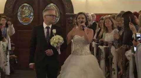 Великолепный подарок невесты своему жениху (видео)