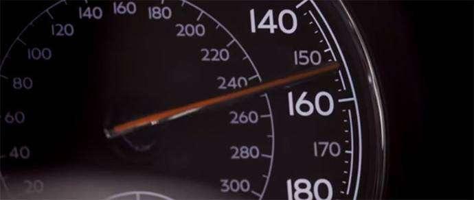 Bentley разогнала свой кроссовер Bentayga до 301 км/ч