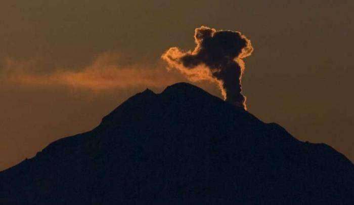 Извержение вулкана на Аляске (27 фото)