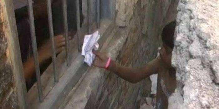 Экзамен в школе Индии (5 фото)