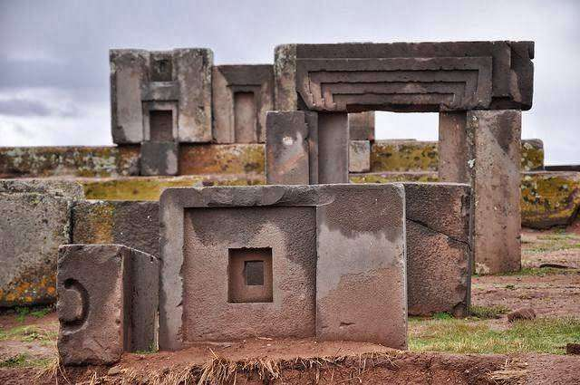 Мегалитические сооружения: типы и виды (11 фото)