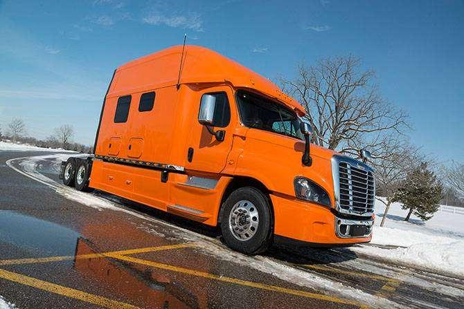 Элитные грузовики для особо взыскательных дальнобойщиков (13 фото)