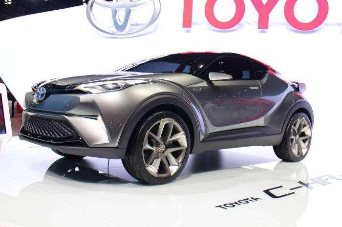 Toyota показала конкурента Nissan Juke (22 фото)
