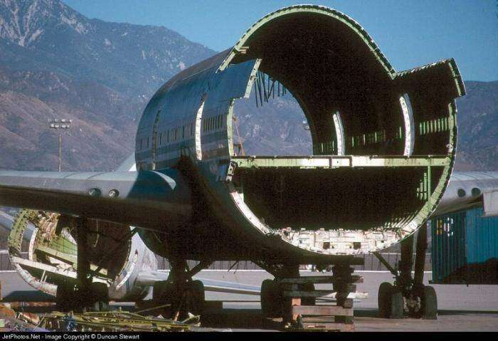 Boeing 747 - ресторан (18 фото)