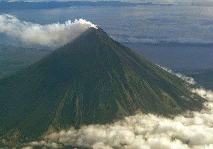 Майон – самый совершенный вулкан (6 фото)