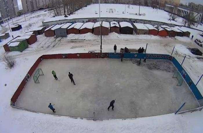 Как самим построить хоккейную коробку (9 фото)