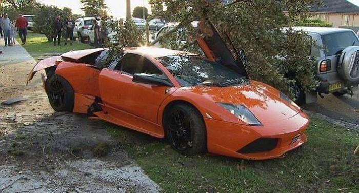 Неудачный тест-драйв Lamborghini Murcielago LP640  (11 фото)