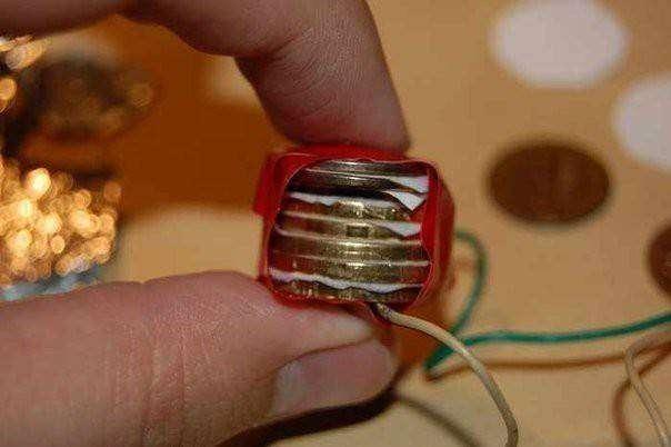 Как сделать батарейку монет