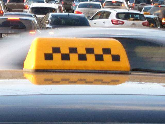В Нижнем Тагиле уволили таксистов, заставивших пассажиров раздеться и умыться зеленкой (ВИДЕО)