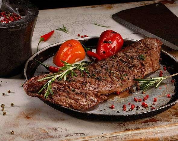 День белка: 3 способа приготовить необычный стейк