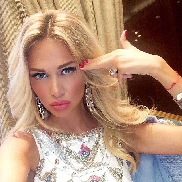 Вика Лопырева - бывшая супруга футболиста Федора Смолова