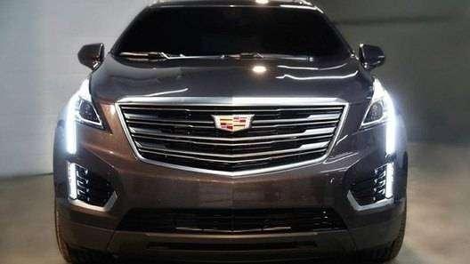 Фото 1 - Компания Cadillac рассекретила внешность нового кроссовера