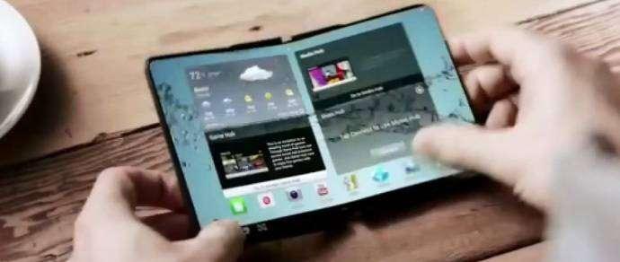 СМИ: Samsung начнет продажи сгибающегося смартфона в январе