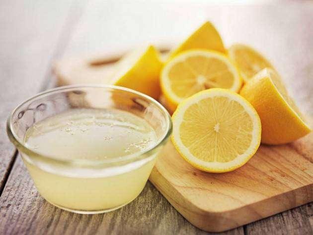 Лимонная вода против пятен в микроволновке