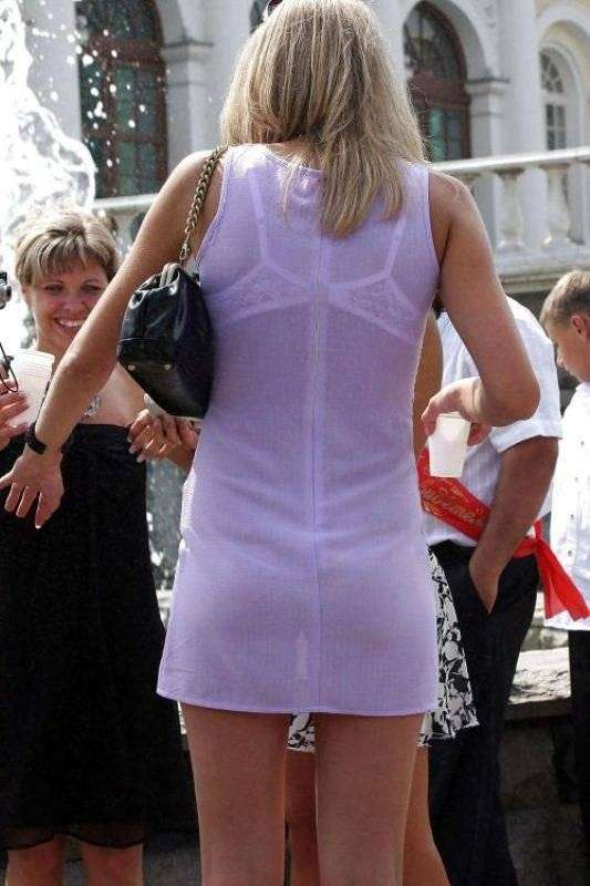 Фото вид под платьем