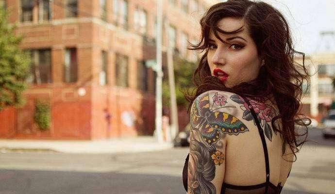В Америке появились сувениры в виде вырезанной кожи с татуировками