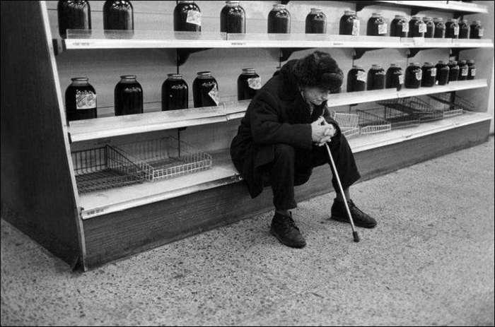 Товарный дефицит 80-90-х: «шопинг» не на жизнь, а на смерть