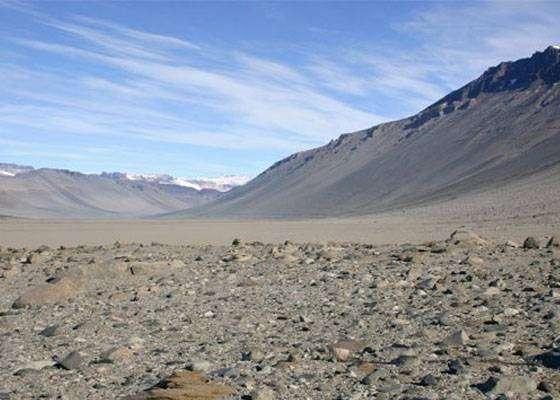 Самое сухое место на нашей планете - Антарктики Сухие долины в Антарктике. Дождя там уже не было 2 миллиона лет