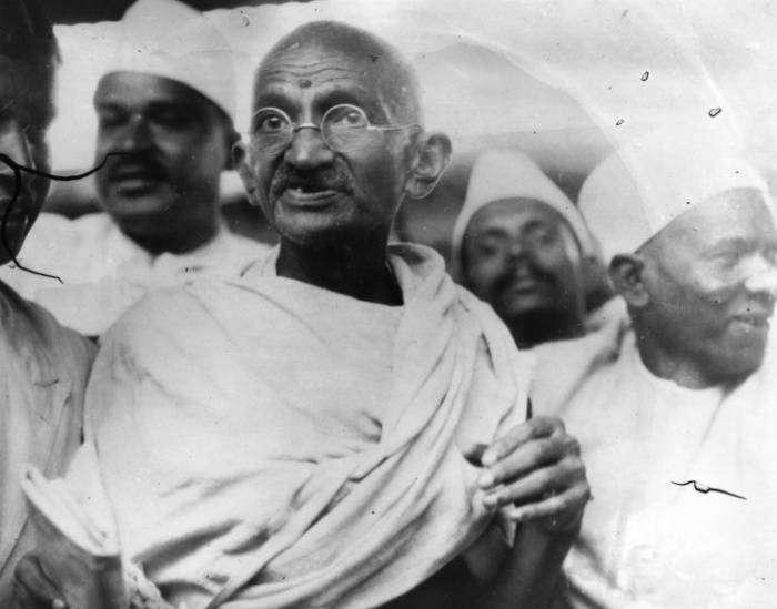 30 жизненных принципов Махатмы Ганди, которые вдохновят и поддержат в трудную минуту