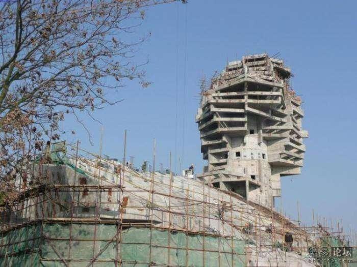 Китайцы строят своего сфинкса (6 фото)