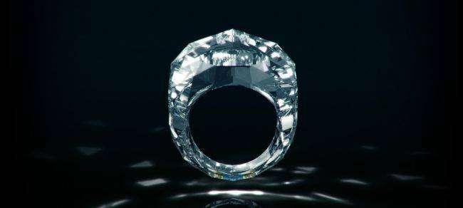 Самое дорогое кольцо в мире целиком сделано из бриллианта