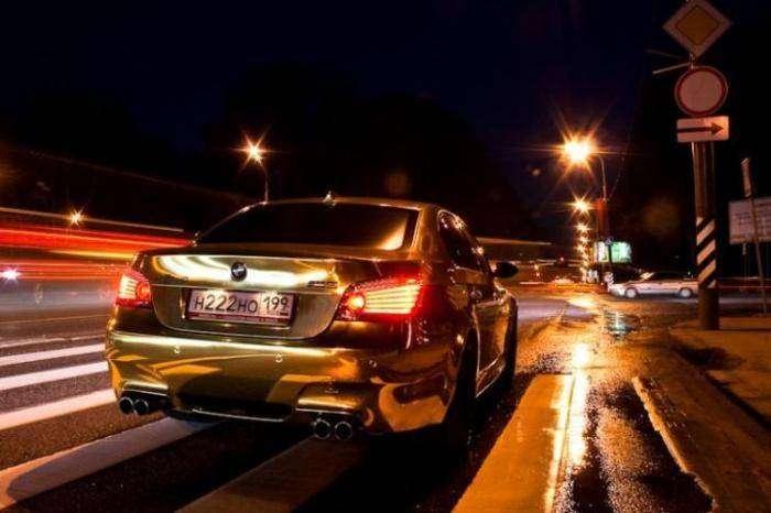 Золотая BMW (11 фото)