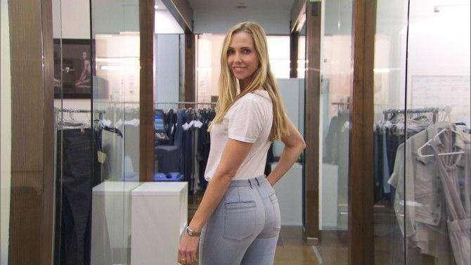 Манекенщица с идеальной попой, под которую шьются все модели джинсов (9 фото)