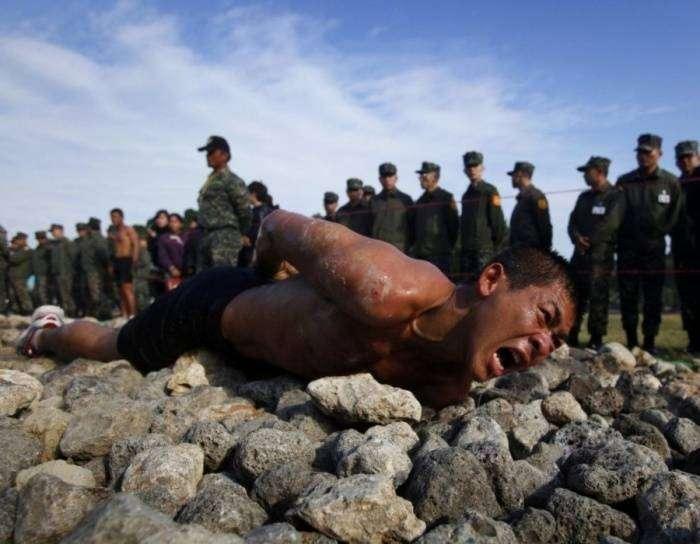 Чертовски изнурительные тренировки в армиях разных стран