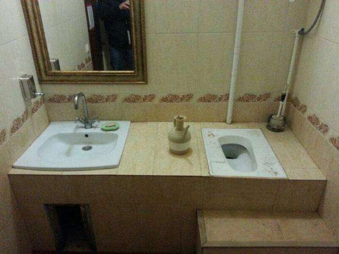 Уникальный общественный туалет.