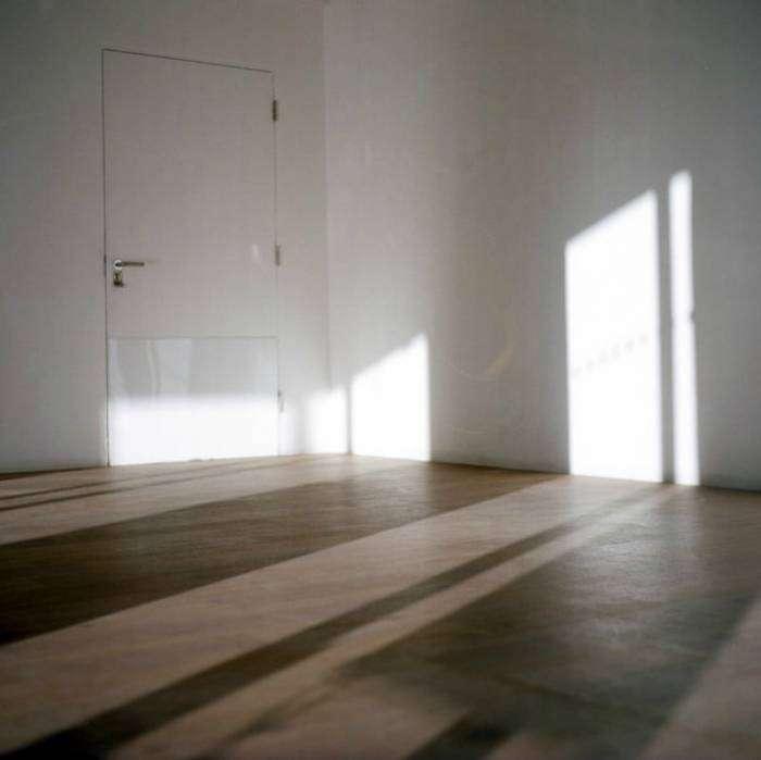 Следует закрывать двери в нежилые помещения, чтобы зря не обогревать комнаты, которые не используются.