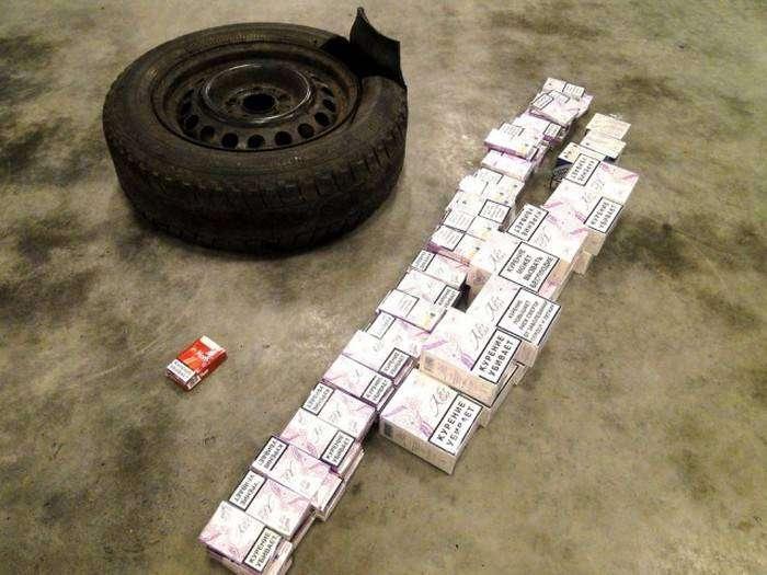 Находчивость сигаретных контрабандистов (16 фото)
