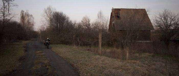 По Чернобылю на мотоцикле (46 фото)