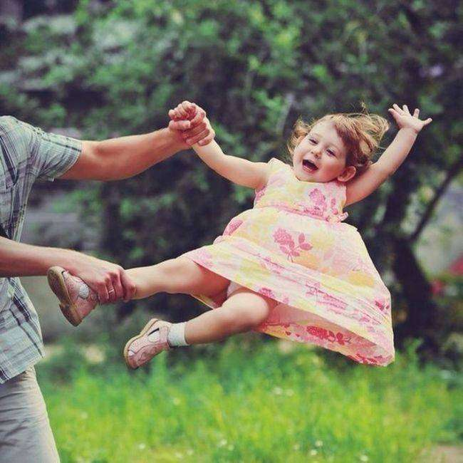 Отцы и дети. Забавные фотографии отцов, которых оставили присматривать за детьми