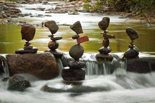 Гравитация — искусство построения каменных пирамид Майкла Грэба(10 фото)